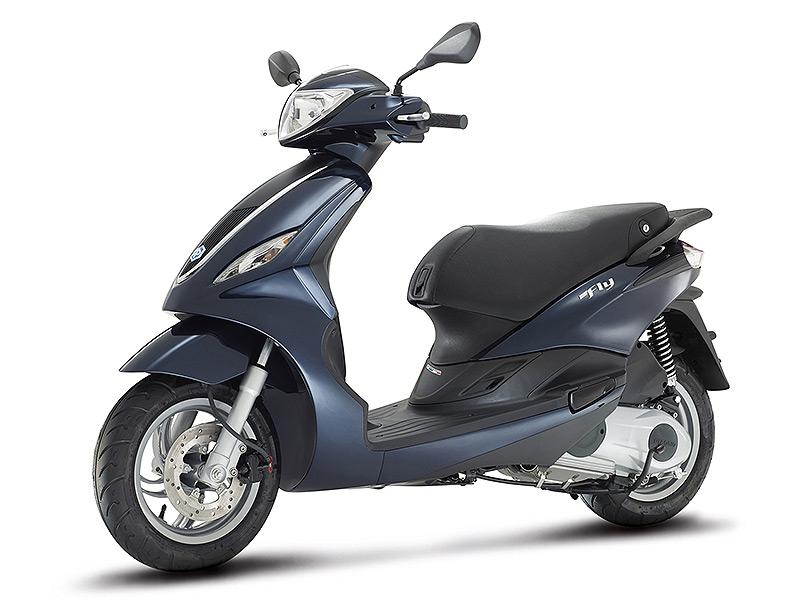 scooter piaggio fly 50 2t un scooter optimis pour vos d placements urbains. Black Bedroom Furniture Sets. Home Design Ideas